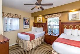 four bedroom spacious hotels near universal orlando at westgate lakes