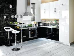 marché de la cuisine équipée design d intérieur cuisine equipee blanche contemporaine iilot