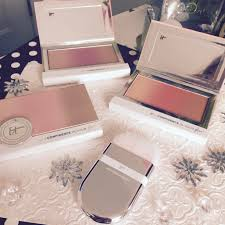 giveaway win new itcosmetics confidence in your glow makeup a