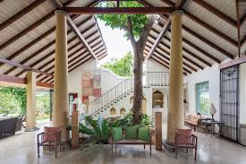 Pillars Decoration In Homes by Sri Lankan Homes That Will Inspire Your Vacation House Decor