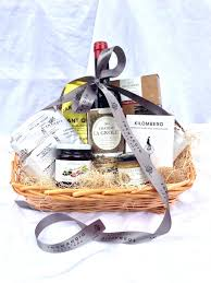 cheese and cracker gift baskets cheese and cracker gift baskets typicl nd bsket sausage free