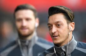 mesut ozil hair style twitter goes in to meltdown as arsenal s mesut ozil posts a