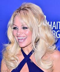 does jenny mccarthy have hair extensions the 10 worst celebrity hair extension disasters revealed daily
