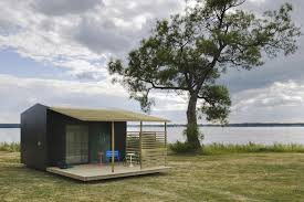 12 brilliant prefab homes that can be assembled in three days or homes built in three days homes built in two days homes assembled in one