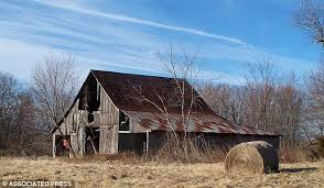 Photos Of Old Barns Preservationists Fight To Save Old Barns Before They Collapse In
