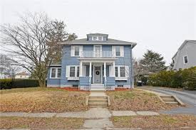 79 hawthorne ave cranston ri 40 photos mls 1185956 movoto