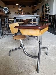 bureau ecolier 1 place ancien pupitre jean prouvé bureau d écolier 1936 geonancy