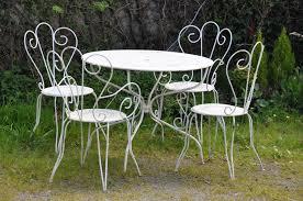 modele de jardin moderne stunning table salon de jardin metal contemporary amazing house