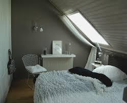 schlafzimmer mit dachschrã ge gestalten schlafzimmer dachschrge einrichten kazanlegend info