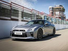 nissan supercar nissan gt r slayer of supercars gets monstrous 562bhp facelift