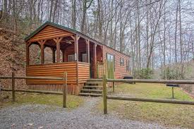 1 bedroom cabin rentals in gatlinburg tn a cherry bloom 1 bedroom cabin rental in gatlinburg tn 115 w hot