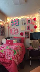 lilly pulitzer dorm the pink and green prep the biggest dorm room lilly pulitzer dorm room dorm pinkdorm lillypultizer preppy