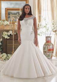 wedding dresses for larger brides wedding dresses for plus size brides wedding ideas
