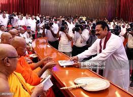 Mahinda Rajapksha Mahinda Rajapaksa Stock Photos And Pictures Getty Images