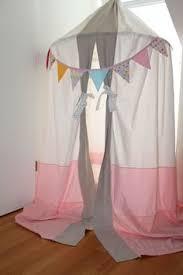 kuschelh hle kinderzimmer ein zelt für ds kinderzimmer selber machen mit einem hula hoop