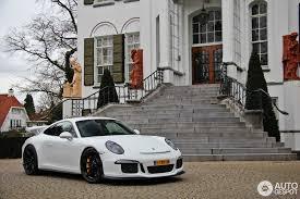 porsche gt3 white white looks best with standard wheels no black wheels no silver