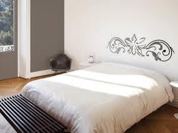 tableau deco pour chambre adulte deco chambre adulte peinture decoration idee interieur pour lit bois
