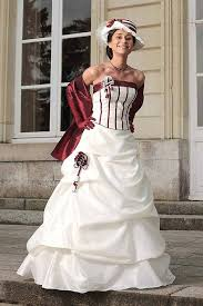 robes de mari e bordeaux robe de mariee bordeaux blanc photo de mariage en 2017