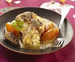 cuisiner des morilles recette simple et gourmande de la poularde pochée aux morilles