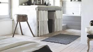 le murale chambre chambre et salle bains blanc bois etageres en pour le mur bain