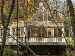 Building A House In Ct Incredible Glass And Concrete Home Outside Nyc Asks 750k Curbed