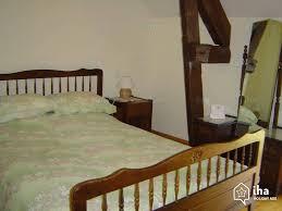 chambre à coucher ancienne location gîte ancienne ferme à estivals iha 45335