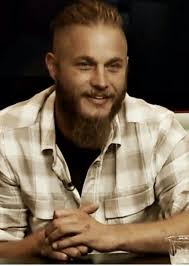 what is going on with travis fimmels hair in vikings 178 best travis fimmel at sdcc 2013 images on pinterest hot boys