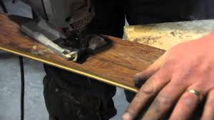 What Type Of Saw To Cut Laminate Flooring Step 3 Cutting The First Row Of Laminate Flooring Youtube
