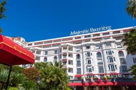 hotel qui recrute femme chambre l hôtel majestic barrière à cannes recrute 200 postes saisonniers