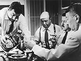 tonton flingueur cuisine titre photo noir et blanc du les tontons flingueurs avec