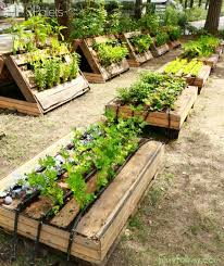 25 cool pallet compost bins ideas on pinterest composting bins