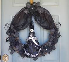 Easy Halloween Wreath by Best 25 Halloween Mesh Wreaths Ideas On Pinterest Deco Wreaths