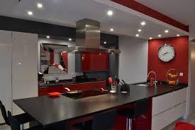 cuisine moderne et blanc cuisine moderne ilot central 12 laque blanc et noir pur