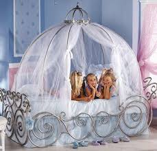 Rooms To Go Princess Bed Best 25 Carriage Bed Ideas On Pinterest Cinderella Carriage Bed