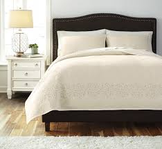 Off White Furniture Bedroom Buy Ashley Furniture Stitched Off White Quilt Set