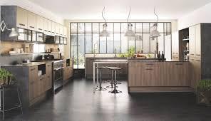 cuisine chene clair moderne cuisine moderne et blanc noir plan de travail chene clair