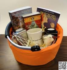9 book worm gift baskets 13 gift basket ideas that rock