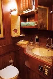salle de bain de bateau mai mai 2 port de beaulieu sur mer côte d u0027azur la vie à bord