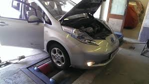nissan leaf used uk driving an electric vehicle the nissan leaf
