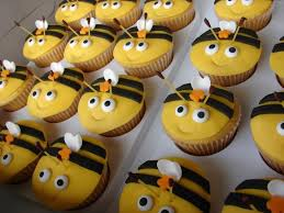 bumble bee cupcakes bumblebee cupcakes cooking stuff i found out there