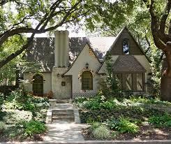 English Tudor Home Best 20 Tudor Cottage Ideas On Pinterest Tudor House English