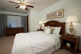 White Wood Blinds Bedroom Buying U0026 Selling Budget Blinds Kim U0026 Chuck U0027s Nona U0027s Bedroom
