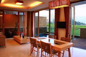 Dining Room Attendant by D U0027green Fields Luxury Villas Fabulousubud Com