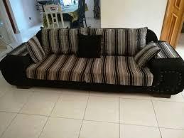 vend canap vend canapé en tissu et un en cuir meubles au burkina faso à