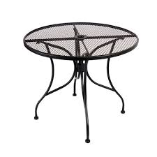 round outdoor patio table