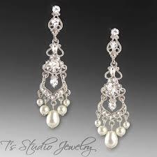 pearl chandelier earrings best 25 bridal chandelier earrings ideas on fashion