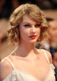 taylor swift lob haircut how taylor swift faux bob chic curly wavy bob hairstyle hairstyles