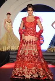bipasha ramp walk for marigold watches fashion show sketch
