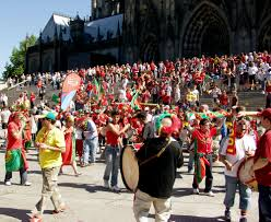 Flag Of Portugal Meaning File Fans Of The Portuguese National Football Team In Cologne