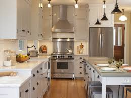 white kitchen cabinets with backsplash white cabinets oak trim drawer knobs decoupage removable kitchen